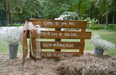 wedding chic, rustic weddings, wedding signs