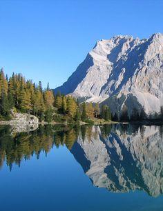 Take a hike and enjoy the beautiful scenery in Ehrwald, Tirol Austria #austria #tirol #ehrwald #mountains #lake #hiking #visitaustria