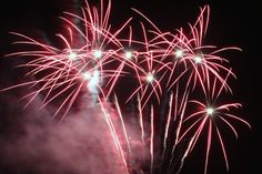 What awesome fireworks! This kind of firework is called cake. With a fuse that sets off a variety of effects in succession, a cake is essentially many Roman candles fused together. Cakes vary widely in size, though some can contain over 1,000 shots. #fireworks #fun
