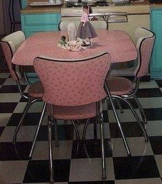Perfect Breakfast table for the Retro Kitchen.