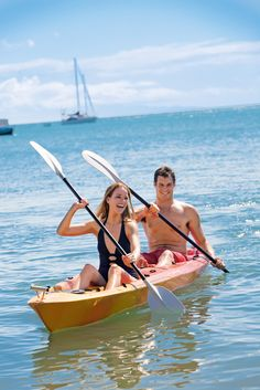 Spend the day relaxing on the beach then toast the sunset during a sunset kayak at Horseshoe Bay on Magnetic Island #kayaking