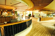Radiance of the Seas - Park Cafe.