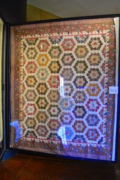 hexagon quilt, bath, hexigon quilt, american museum