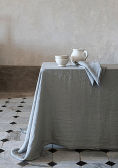 Stonewashed line table cloth