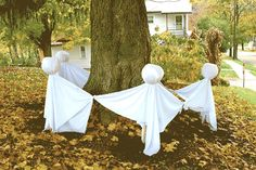 Ghosts playing around a tree. So easy to make!