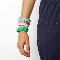 How to Dip-Dye Your Sailor Bracelet