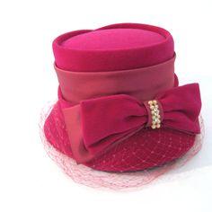 vintage 50s Velvet Hat / vintage Veiled Hat