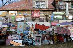 The Heidelberg Project is an art environment that spans two Detroit city blocks. Guyton began the project almost twenty years ago in 1986, in response to the deterioration of his neighborhood, which was being consumed by drugs, poverty, and violence. He turned to art for a solution.