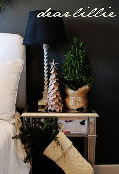 holiday, wall colors, black walls, christmas decorations, christma decor, trees, bedrooms, guest rooms, christmas bedroom