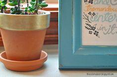 Gold flower pot - the colored door