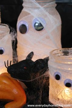 Mason Jar Mummy Lanterns by The Everyday Home  #theeverydayhome  #DIY  #Halloween  #MasonJar  #crafts