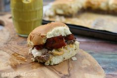 Secret Ingredient Bacon Cheeseburger Sliders #WeekdaySupper | girlichef.com