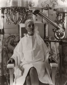 1920s beauty parlor