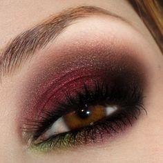 cranberry smokey eyes