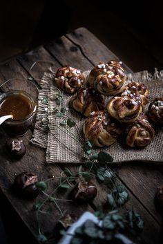 cinnamon knots with