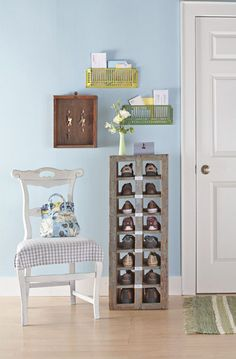 5 Creative DIY Shoe Storage Solutions For An Etryway | Shelterness