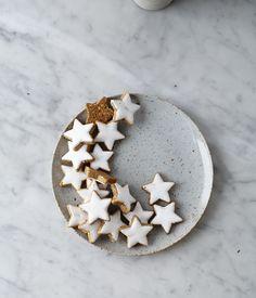 christmas foods, dinner plates, christmas tables, holiday cookies, star cooki
