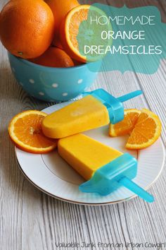 Homemade Orange Dreamsicles - the perfect low calorie dessert!! Obsessed with these :)