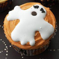 Homemade Ghost Cupcake #Homemade #Halloween #Ghosts #Cupcakes #Dessert