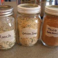 Home Made Ranch, Onion Soup And Taco Seasonings Recipe    http://www.grouprecipes.com/133807/home-made-ranch,-onion-soup-and-taco-seasonings.html