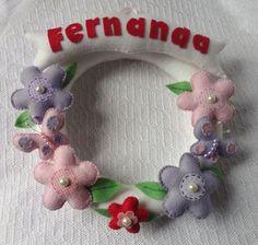 Ateliê Cantinho da Kekeik - Guirlanda Flores em Feltro para Porta da Matenidade
