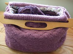 retro knitting bag (free pattern) -- could also use it for crochet and embroidery projects