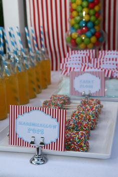 Darling marshmallow pops for carnival party