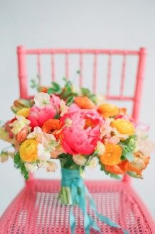 Bright and colorful bouquet | Jodi Miller Photography #wedding