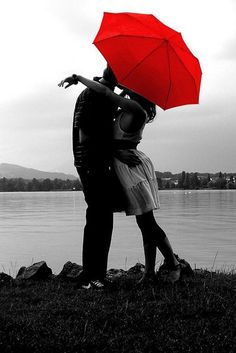 love the red umbrella <3 this is really cute