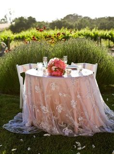 Romantic tablecloth for the bride and grooms table