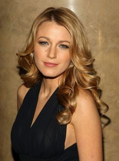 hair coloring, blake lively, new hair colors, hair color ideas, long curly hair, fall hair, blonde hairstyles, caramel, color trends