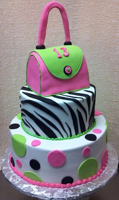 Hot pink purse cake for a teen birthday