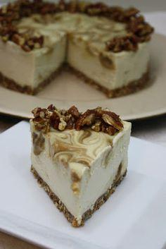 Raw caramel apple swirl cheesecake