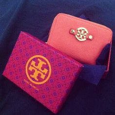 Coral Tory Burch wallet