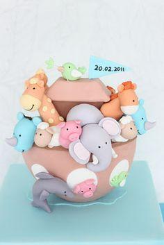 ark cake, so many cute animals