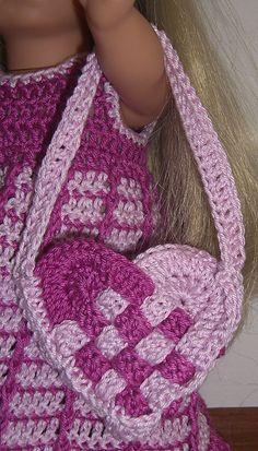 Free Crochet Valentine Basket Wave Sachet Pattern.