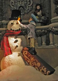 Making a Snowman in the 2006 Lord and Taylor Holiday Window Displays | #holiday #christmas #decoration #interior #santa #movie #theme #animatronics #lights #retail #icsc #cre | arkansasconstruction.co and Facebook.com/cni.arkansas
