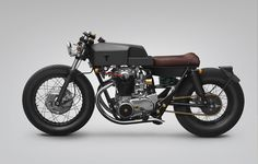 thrive motorcycles transforms a 1968 yamaha XS650 into 'T004 MooN'
