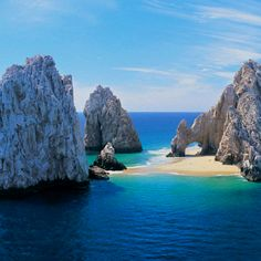 Sea of Cortez Los Cabos Mexico -- I have seen pictures of the arch for years now and I just want to stand under it really bad. #bucketlist