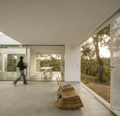 House in Quinta do Carvalheiro by GSMM Architetti
