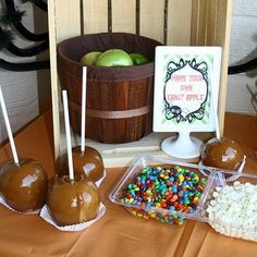 How to Setup a Caramel Apple Bar