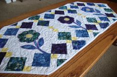quilted table runner patterns | Beginning quilting – Spring Flowers Table Runner