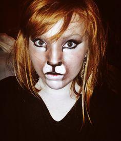 Cat inspired Halloween make-up look.