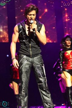 Shah Rukh Khan - Sears Center Arena Rock & Rolla SLAM CHICAGO (2014)