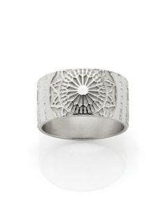 Byzantine ring.  Meadowlark.... I wish for it.