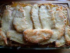 zapiekanka z ziemniakami, z boczkiem i kielbasa