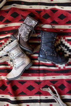 blanket, roxi boot