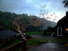 fantasywire-wire-fairy-sculptures-robin-wight-9