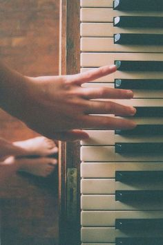 Playing piano <3