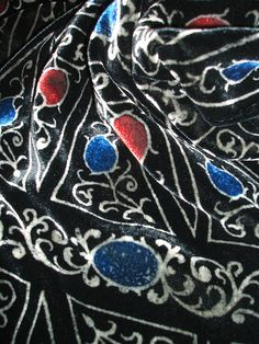 Close up of the Pietra Dura velvet scarf designed by Beckford Silk for The Art Fund